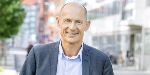 Backahill säljer alla aktier i Platzer