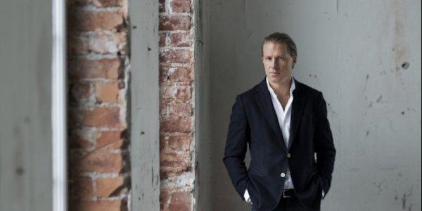 Oscar säljer i Göteborg och Stockholm