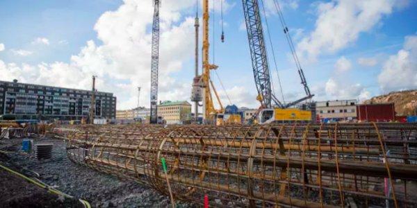 Bygget av Karlatornet i nytt skede