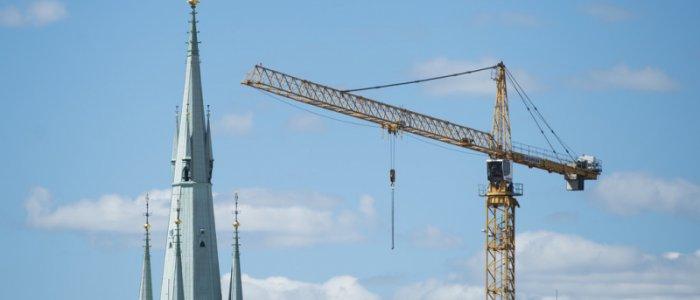 Krisläge för Skanskas byggkonkurrent