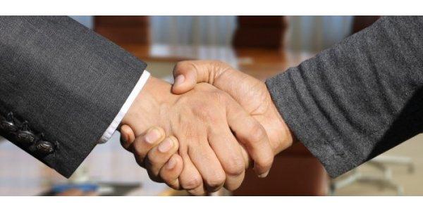 Acrinova renodlar och säljer dotterbolag