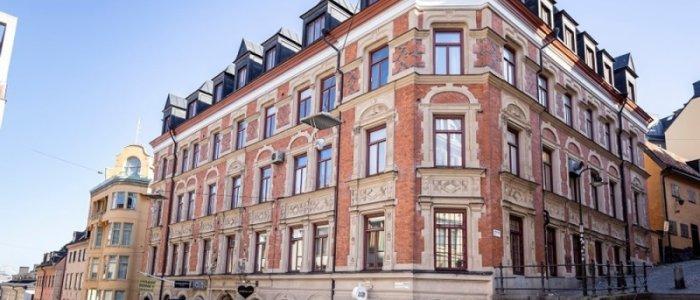 Olov Lindgren gör dubbelköp på Södermalm