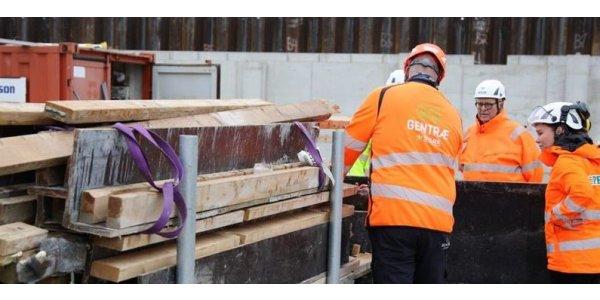 Peab och Wihlborgs i pilotprojekt för återbruk av trä