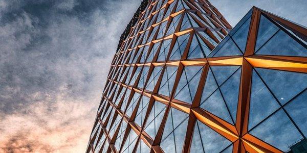 Lowell hyr 1 900 kvm kontor av Platzer i Kineum